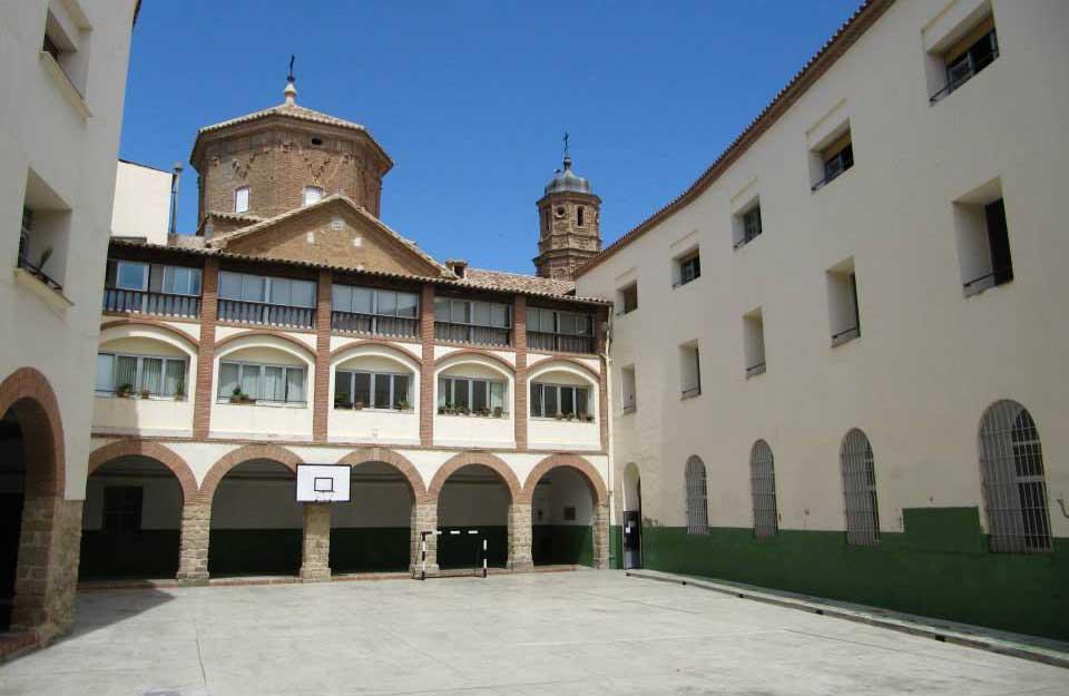 Patio de uno de los colegios de Alcañiz