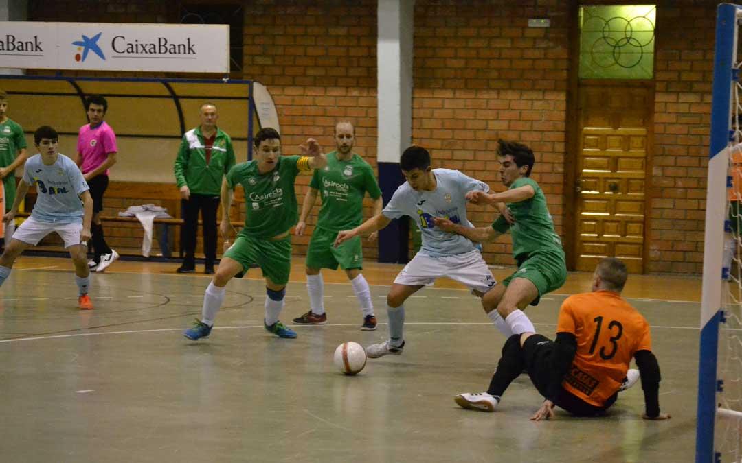 Partido de fútbol sala disputado en el pabellón caspolino.