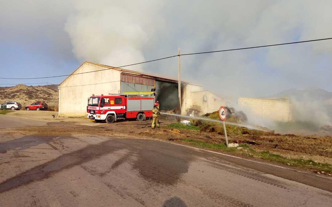 El incendio ha tenido lugar en el pajar de una granja de ovejas de Utrillas