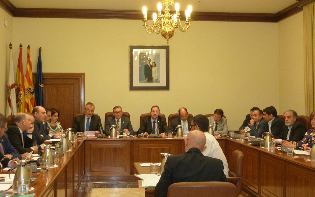 La Diputación de Teruel ha celebrado este miércoles el pleno ordinario del mes de febrero.