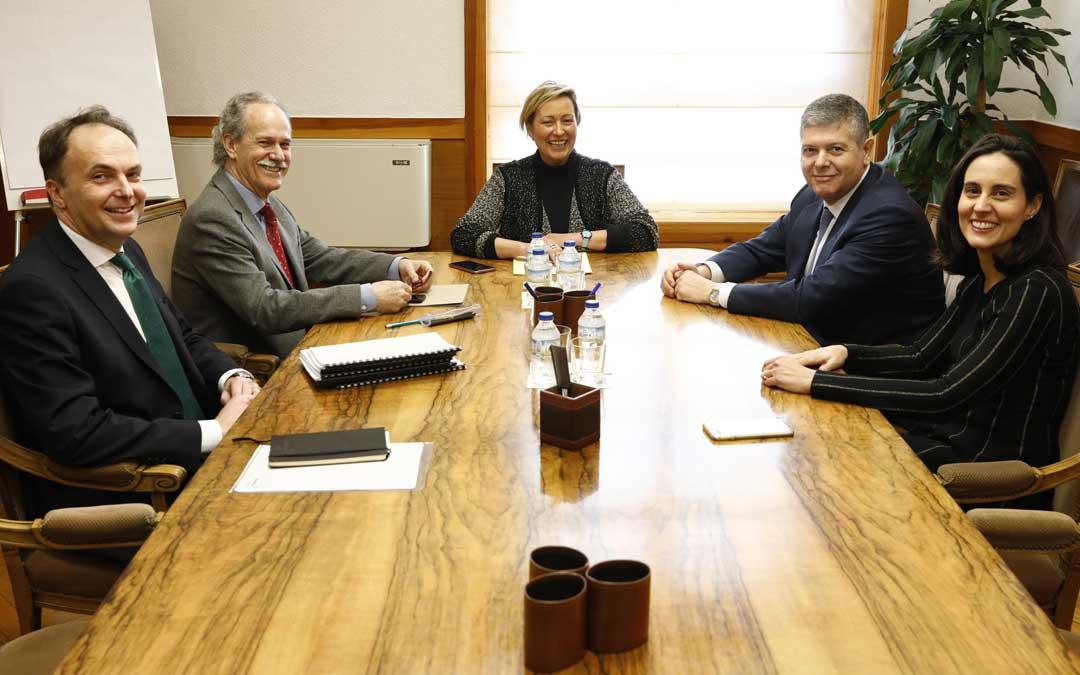 Reunión entre Redexis y Gobierno de Aragón