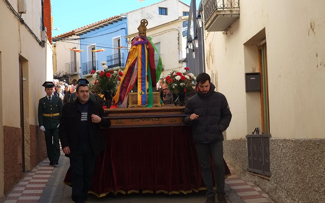 la procesion de san blas por las calles de chiprana