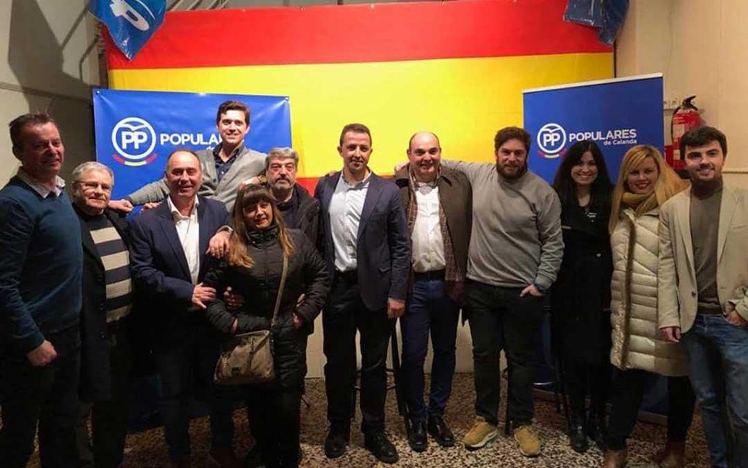 La inauguración de la sede calandina asistieron representantes del PP del Bajo Aragón