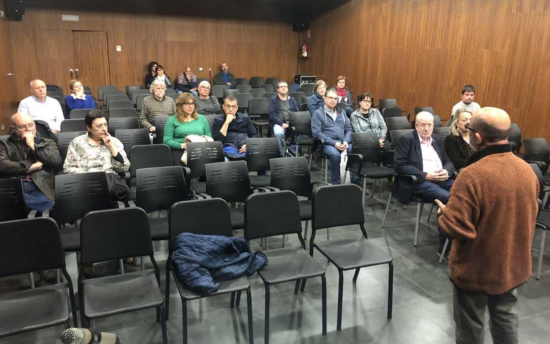 n Teruel Existe estuvo el martes en Alcañiz para dar a conocer la manifestación y buscar a personas que se impliquen en el proyecto.
