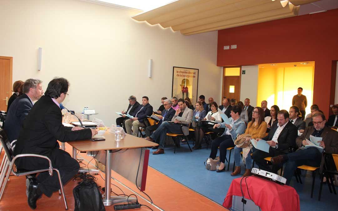 El consejero Soro presidió este lunes el Consejo de Turismo de Aragón, el foro más importante de la materia, en el CBC de Calanda . Foto: L. Castel