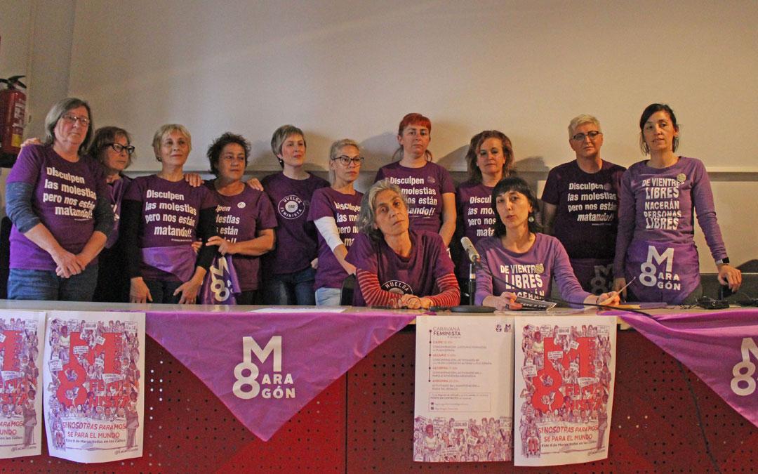 Las integrantes de la Plataforma Bajo Aragón Feminista presentaron ayer los actos para el próximo 8 de marzo.