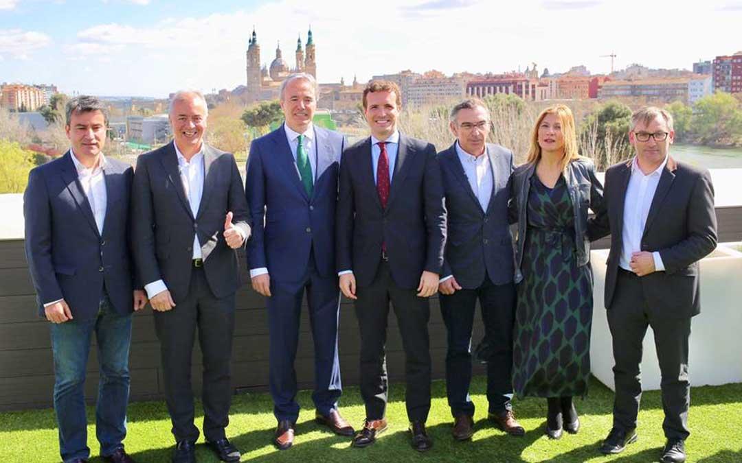 Casado ha estado acompañado en el acto de Zaragoza con los líderes del partido en Aragón