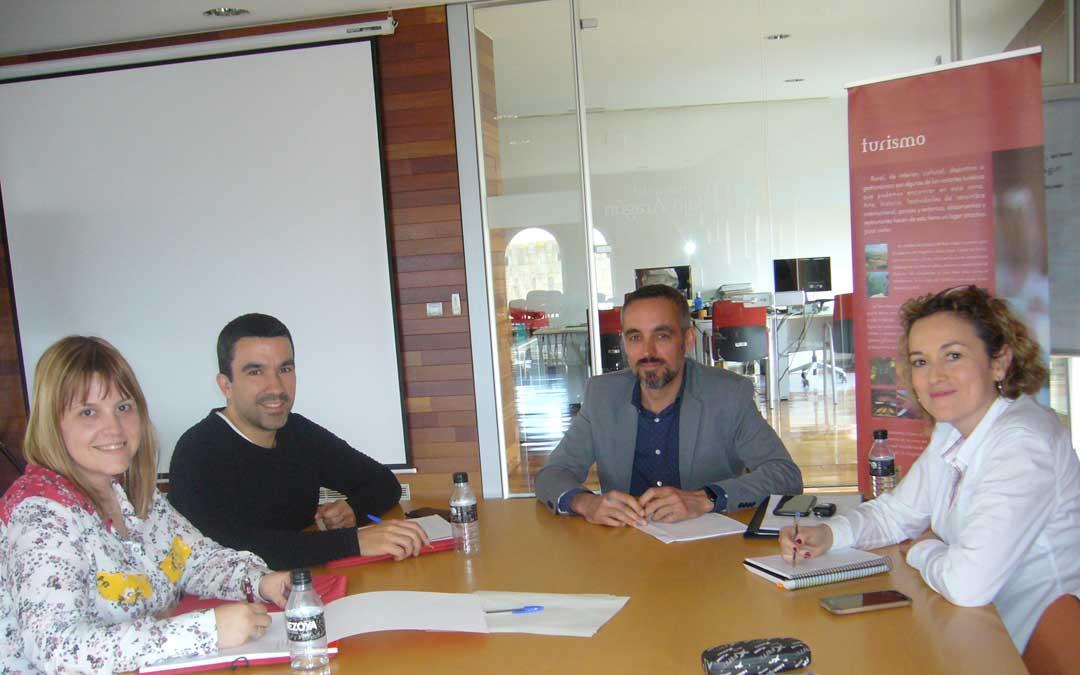 Reunión entre Technopark, Asociación Empresarial Andorra Sierra de Arcos y Bajo Martín y Comarca del Bajo Aragón.