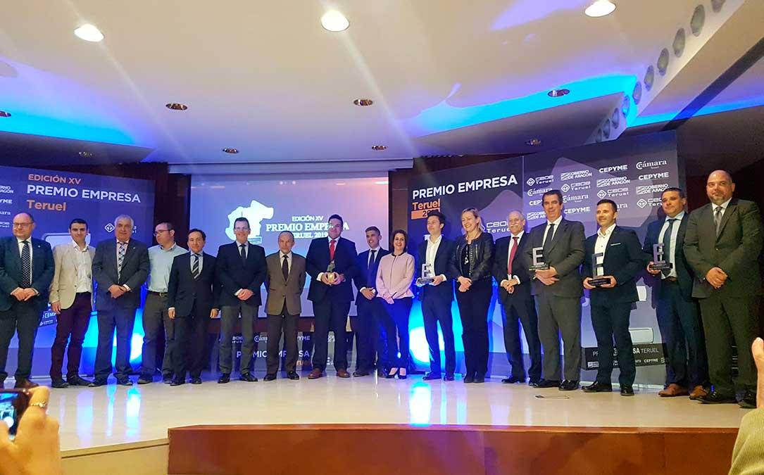 foto de familia premios empresa teruel 2019