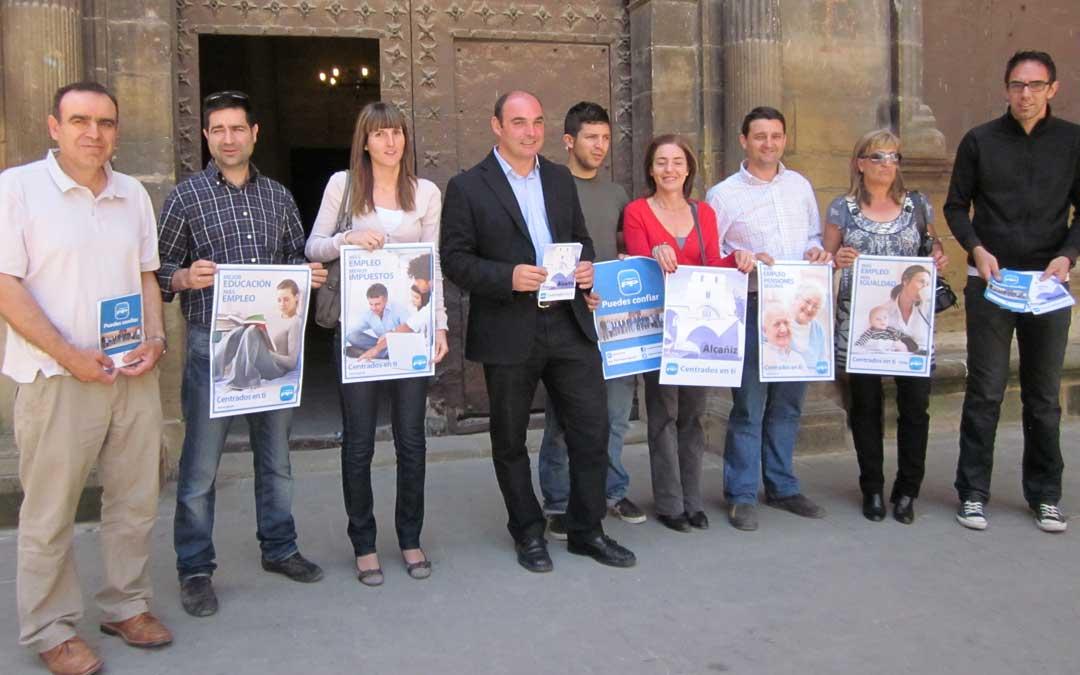n Esparrells comenzó como secretario local del PP de Alcañiz con Javier Martínez como presidente. En la imagen, en un acto durante la campaña electoral de 2011, en la que iba en 5º lugar en las listas.