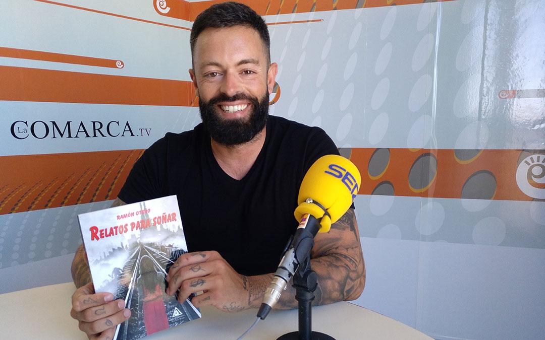 Ramón Otero presenta su libro 'Relatos para soñar'.