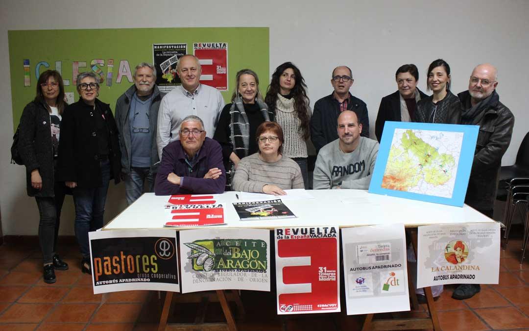 Integrantes de la recién creada Teruel Existe Alcañiz este miércoles en rueda de prensa