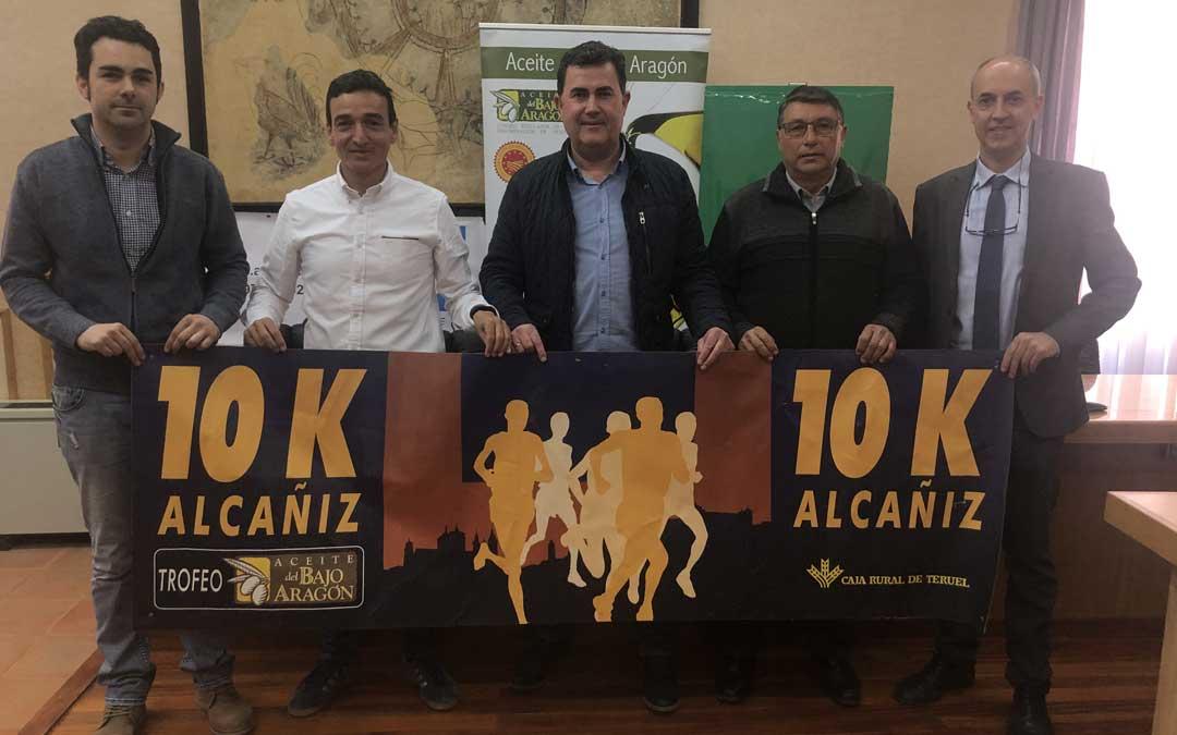 Tomé (Aragonesa de Obras Civiles), Ramo (Tragamillas), Orrios (Ayuntamiento), Caldú (D.O. Aceite) y Centelles (Caja Rural), este miércoles en rueda de prensa. Foto: L. Castel