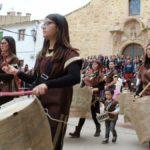 Ariño recreó la Leyenda de Dragón y Jorge este 23 de abril con todo el pueblo implicado.