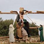 Momento del descendimiento de la cruz