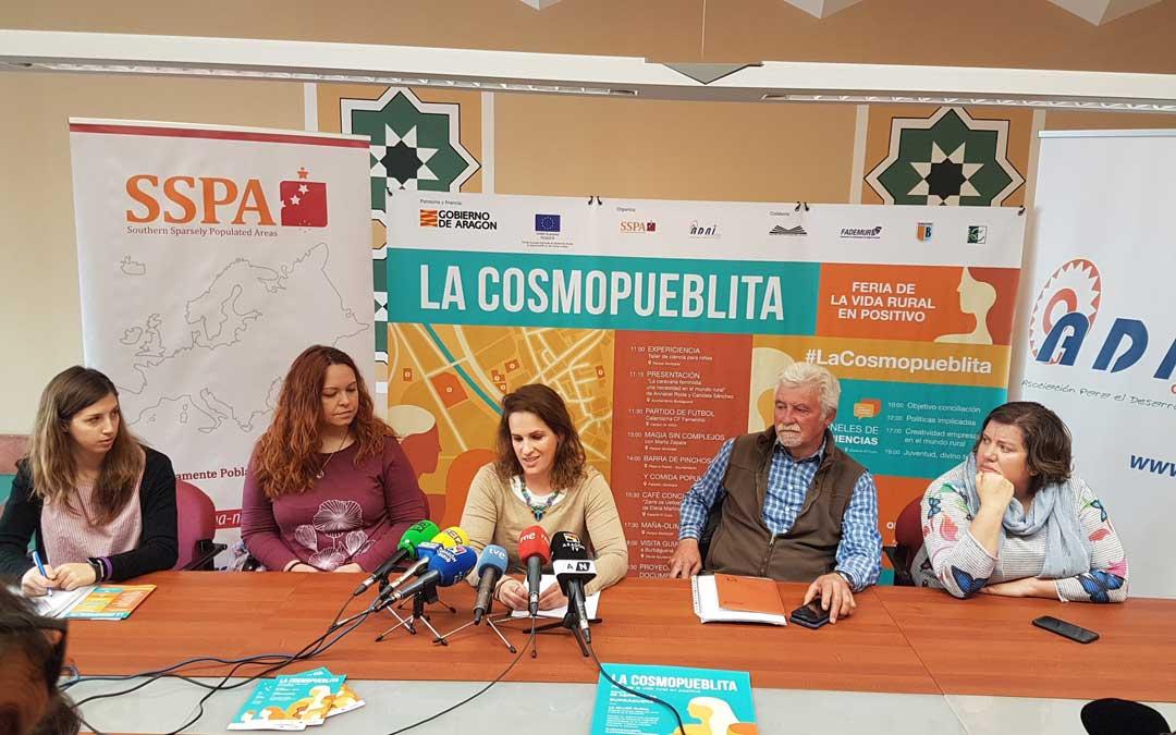 Presentación de la feria La Cosmopueblita.