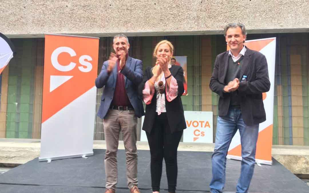 Ciudadanos en un acto para hablar de agricultura en Teruel