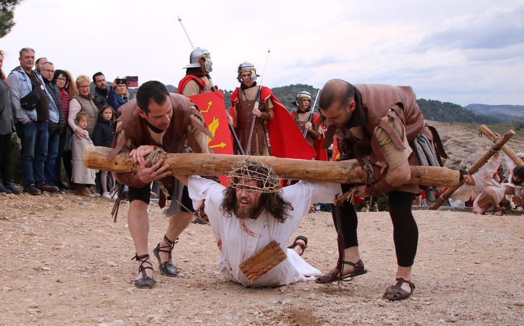 El realismo del Drama de la Cruz cautiva al público en Alcorisa