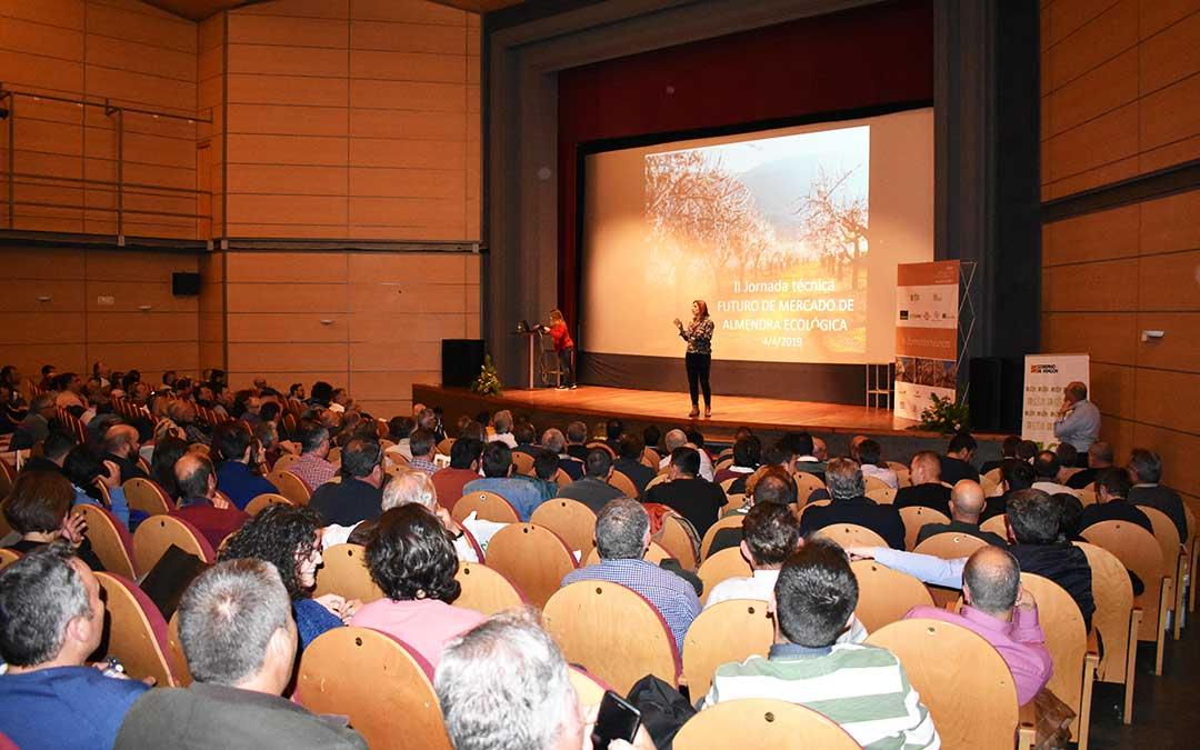 La Jornada ha tenido lugar en el Teatro Goya de Caspe este jueves.