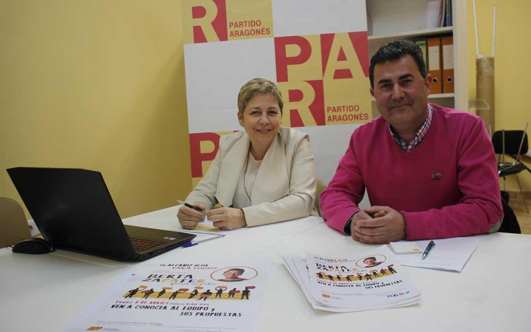 Los ediles Berta Zapater y Eduardo Orrios, este jueves, en rueda de prensa. Foto: L. Castel