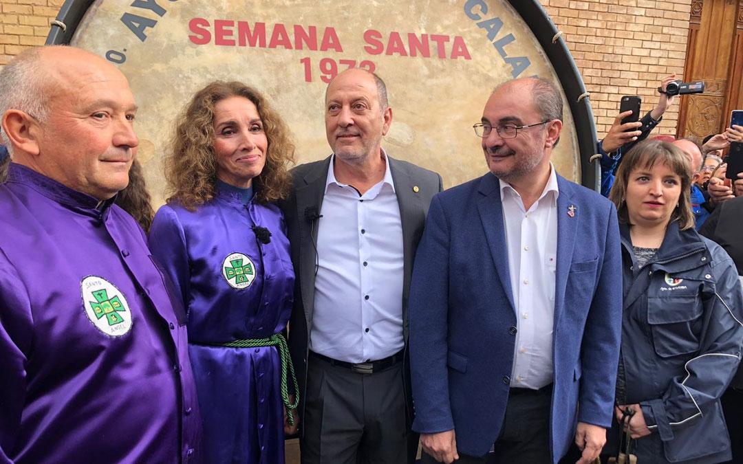 Manuel Esteban, Ana Belén, José Ramón Ibáñez y Javier Lambán, minutos antes de la Rompida de la Hora.