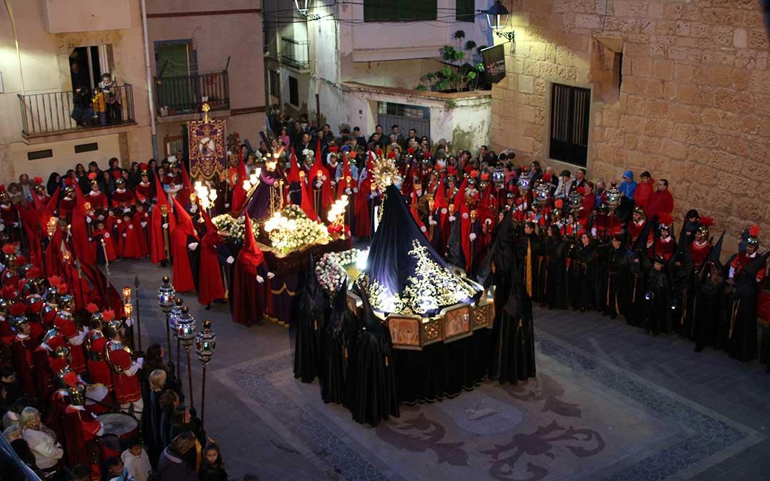 Foto de archivo del momento del Encuentro en la plaza del Ayuntamiento de Andorra | Adrián Monserrate