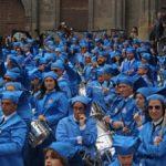 Los tambores alcañizanos han teñido de azul la plaza España durante el Pregón