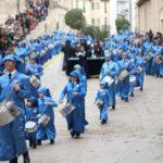 Los primeros tambores han comenzado a llegar a la plaza España de Alcañiz alrededor de las 14.30.