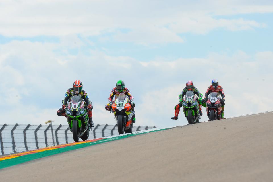 Pilotos y equipos exprimieron al máximo la jornada, afinando sus monturas en la que fue su primera toma de contacto con la pista alcañizana