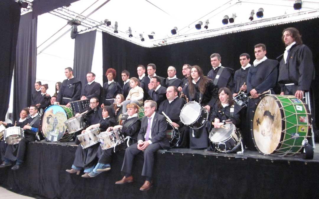 Con el grupo de tambores de Albalate en las Jornadas Nacionales de Exaltación del Tambor y Bombo que acogió el pueblo en abril de 2011 con casi 3.000 tamborileros por las calles