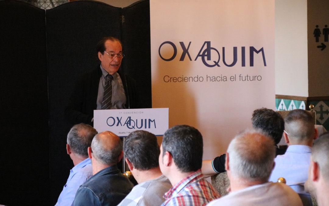 Jaume Miquel, presidente del Consejo de Administración de Oxaquim, en su intervención. / Juan Peñalver
