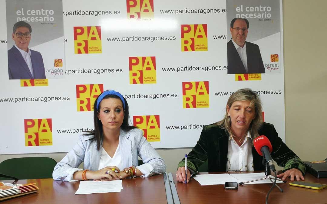 Esther Peirat y Eva Fortea, candidatas del PAR a las Cortes por Teruel. / PAR