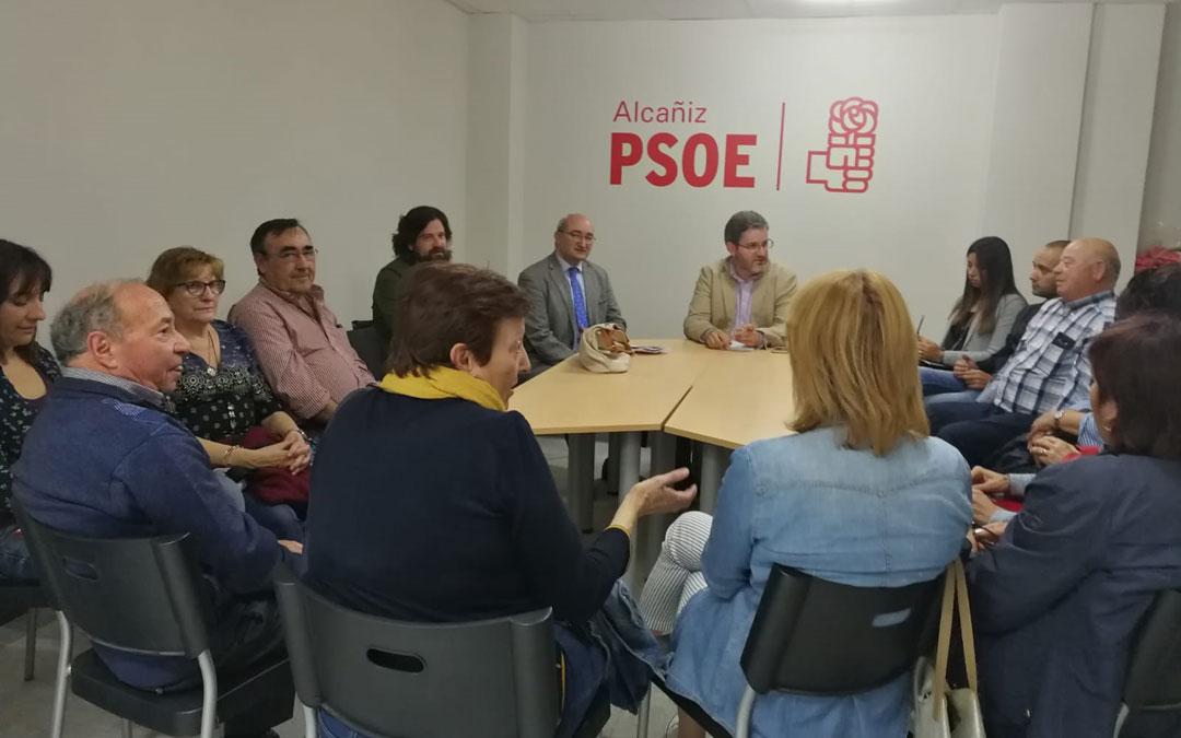 Reunión del PSOE de Ignacio Urquizu con los afectados de Pui Pinos