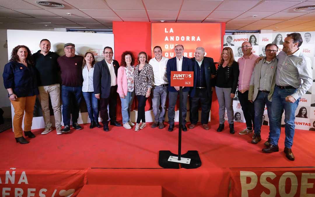 La candidatura municipal del PSOE de Andorra, este sábado, junto a Javier Lambán y Mayte Pérez