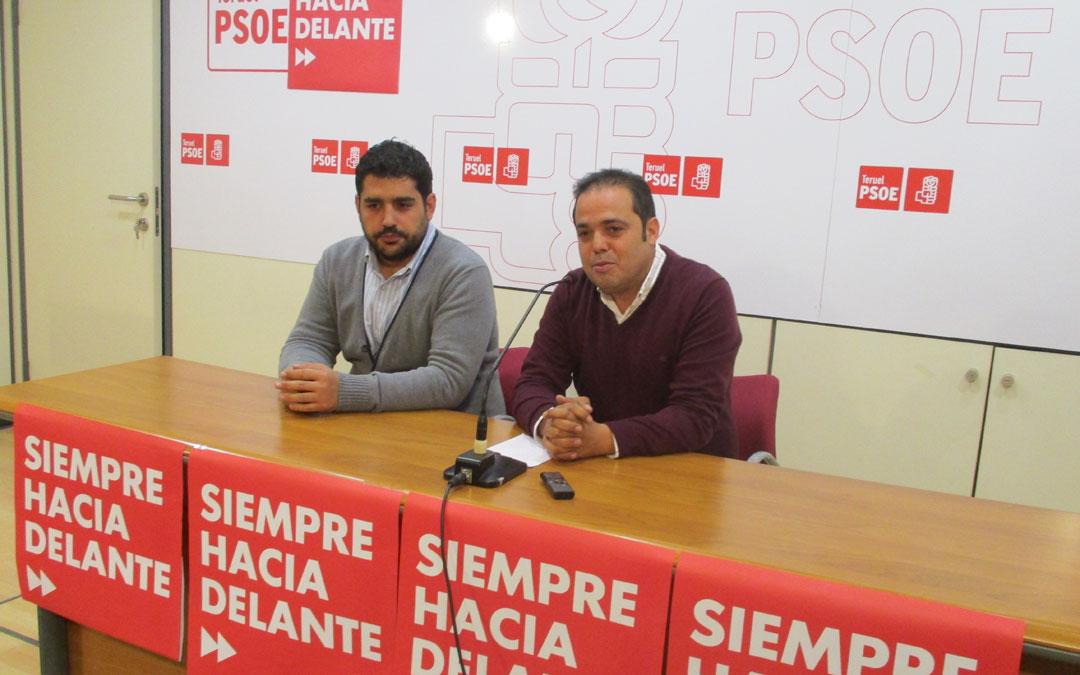 Diego Piñeiro y Antonio Amador durante la presentación de la campaña electoral este jueves en Teruel