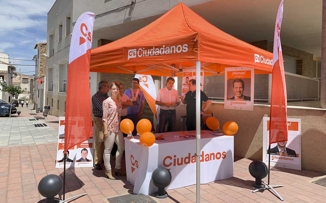 Ciudadanos instaló la carpa informativa en la plaza de San Blas./Cs