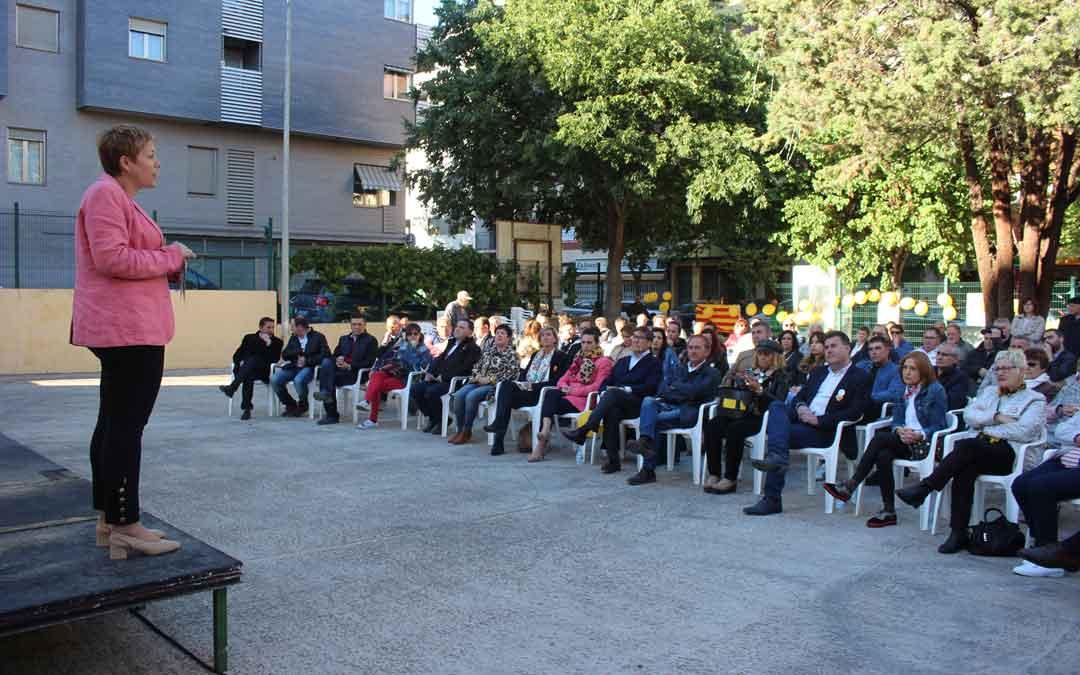 Berta Zapater durante su intervención en el mitin este domingo. Foto: L. Castel