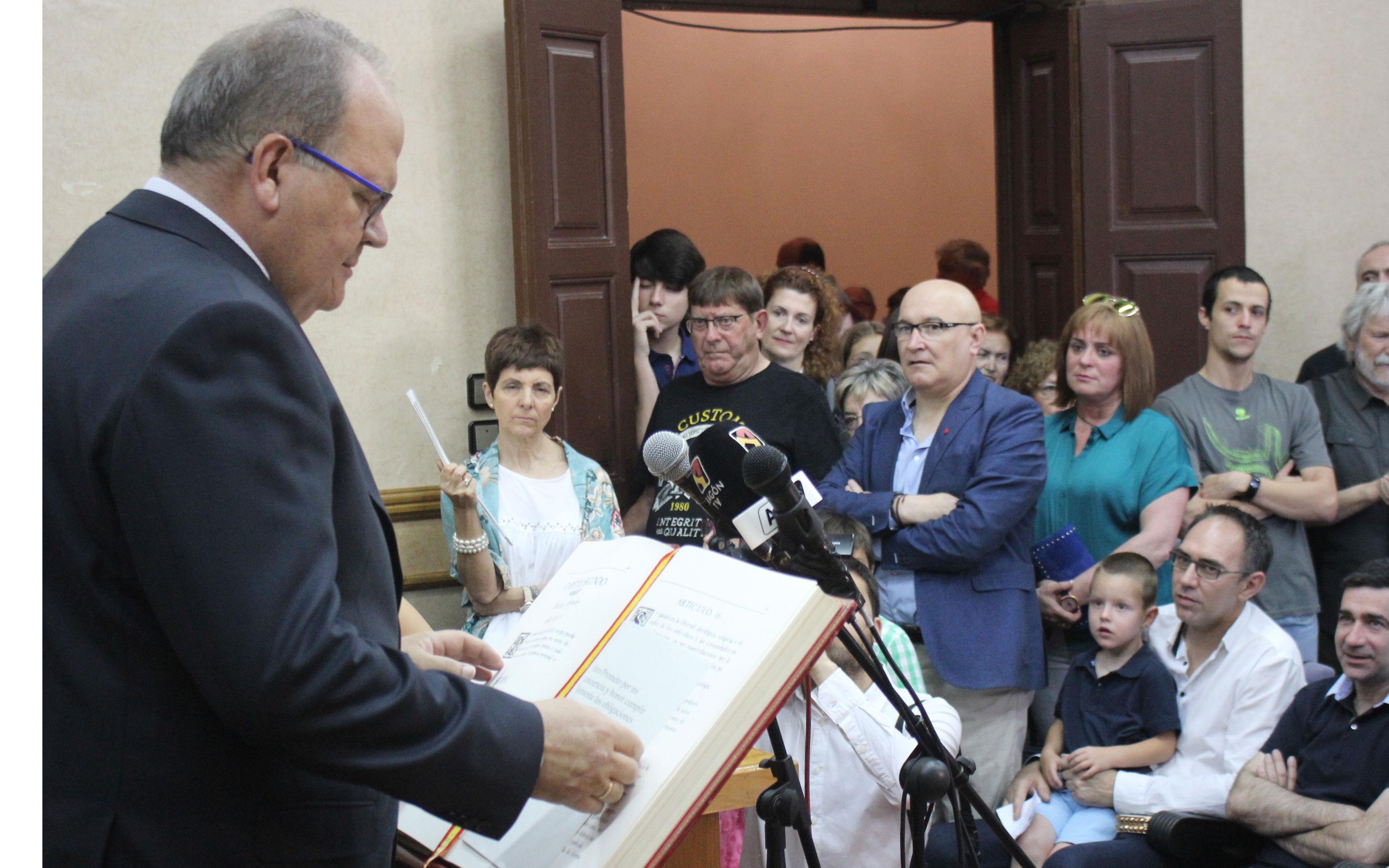 Ramón Panadés (PSOE) promete el cargo