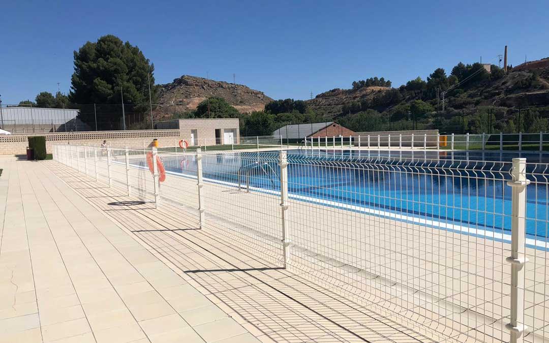 Imagen de archivo de la piscina de Alcañiz