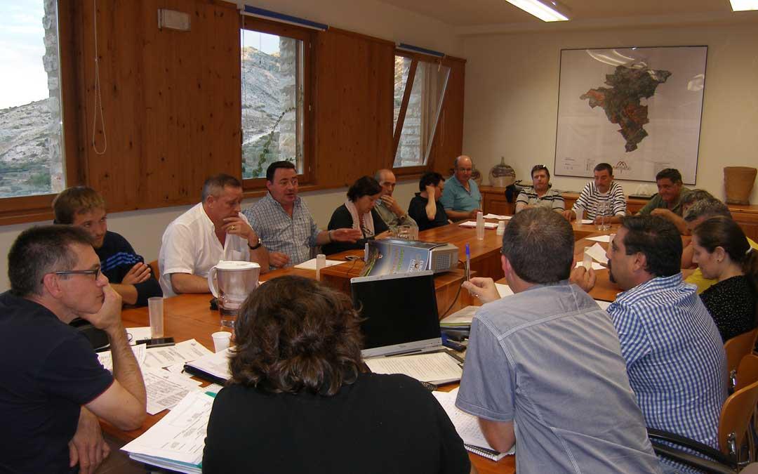 Imagen de archivo de la Junta Directiva de Adema.