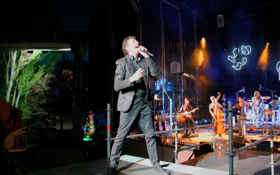 Manolo García durante el concierto