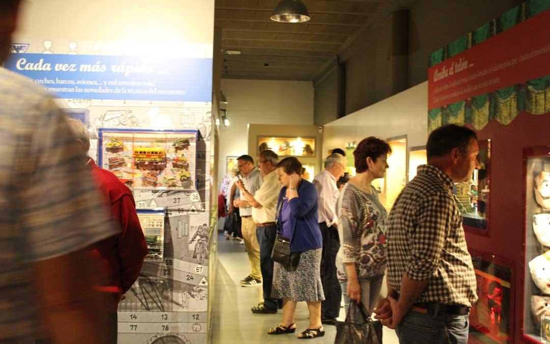 Visita al Museo de Juguetes en Urrea de Gaén en la Noche en Blanco. / B. Severino
