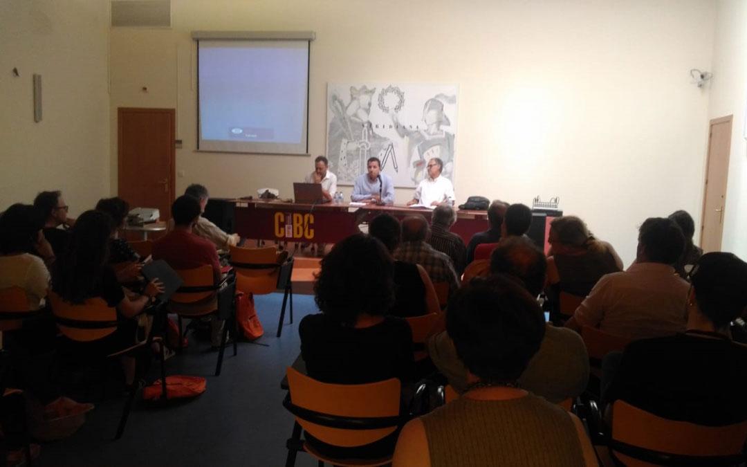Mesa con las autoridades en la inauguración del curso en el CBC. / Fundación Mindán Manero