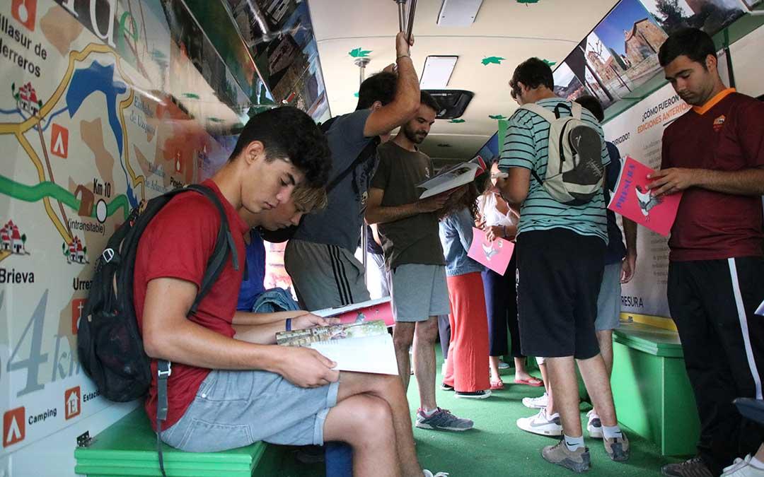 campo de trabajo jovenes bus presura repoblacion