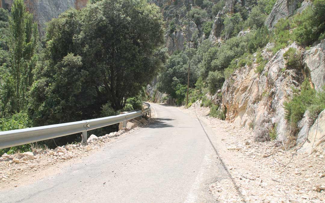 El arreglo del tramo carretero de tres kilómetros que da acceso a Pitarque será la próxima reivindicación del Ayuntamiento