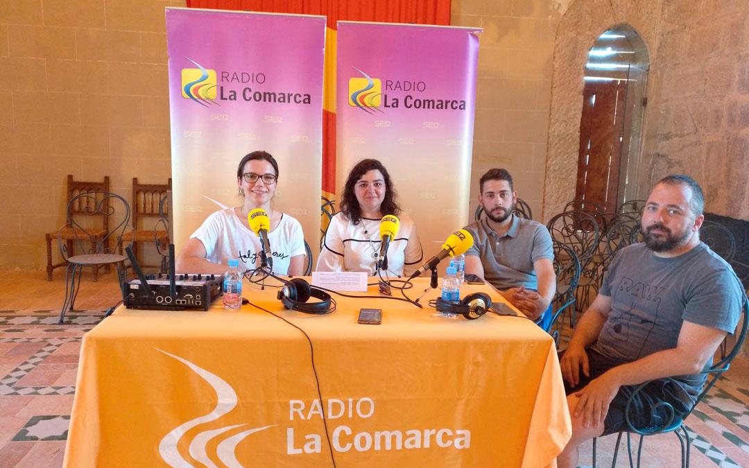 En imagen, los integrantes del programa especial desde el castillo de Albalate. Alicia Martin, Isabel Arnas, Víctor Martín, y Toño Monzón