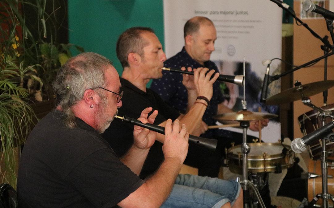 concierto didactico dulzaineros parque cultural rio martin balneario arino