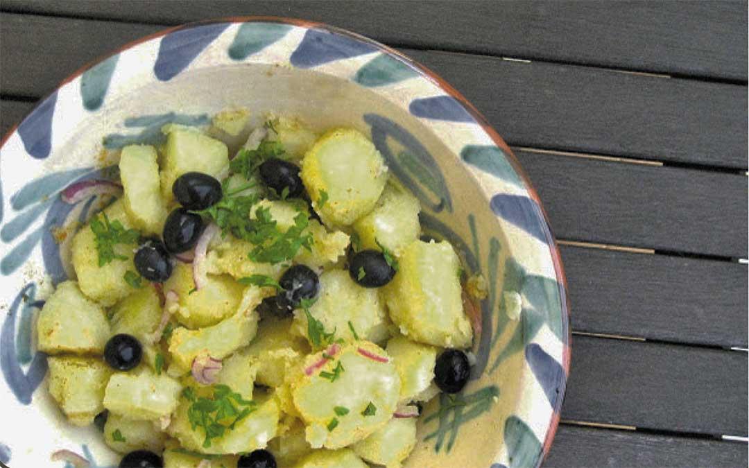 Ensalada patata aliñada con yogur y mostaza