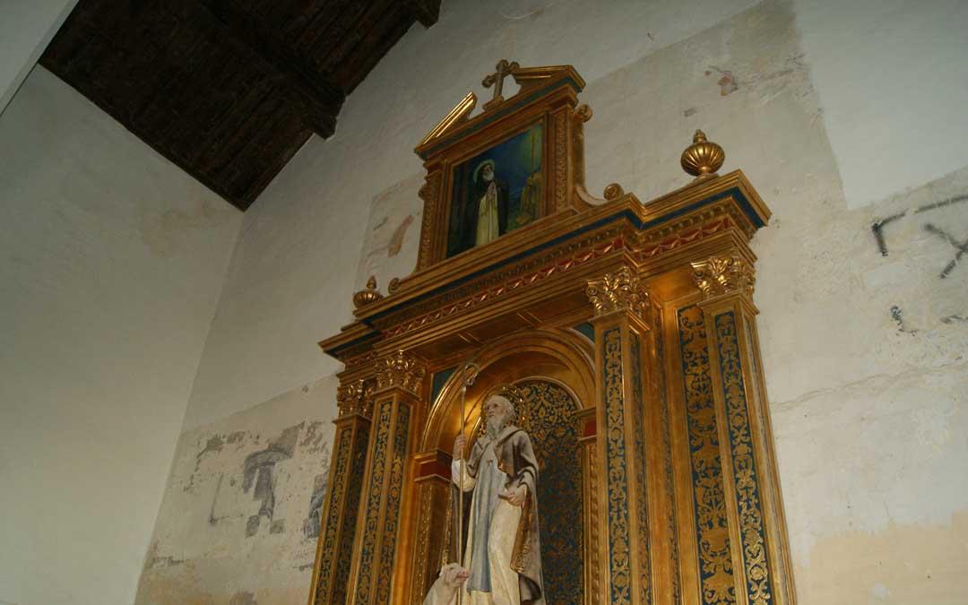 En la pared del altar dedicado a San Antonio se encontraron pinturas. / B. Severino