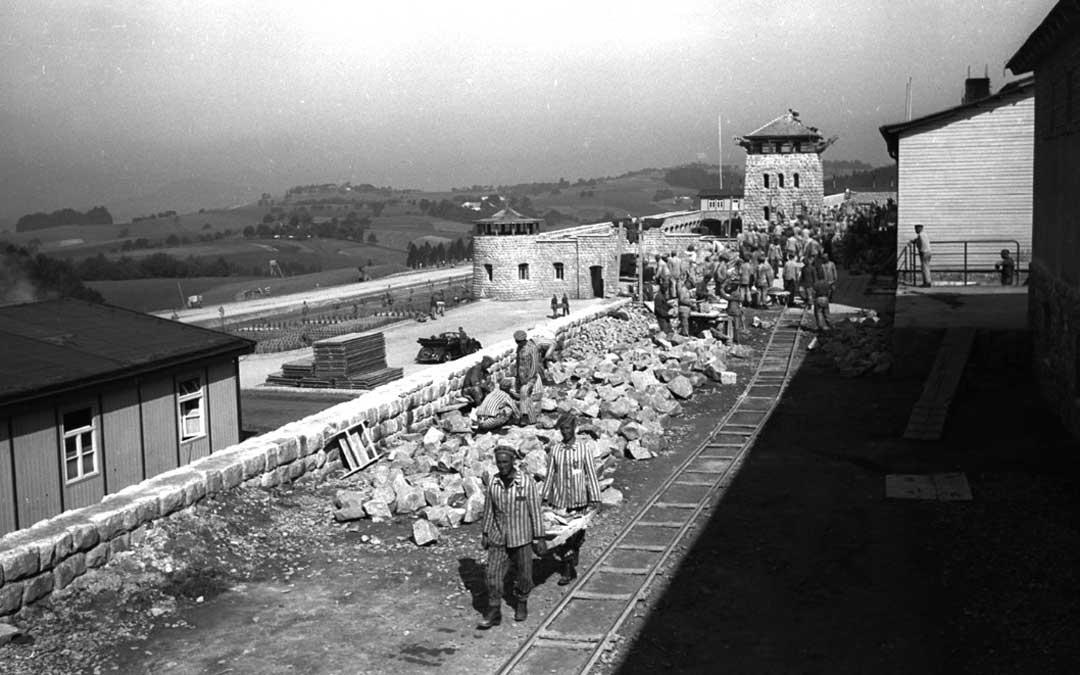 n Deportados republicanos trabajando en la construcción del campo de concentración de Mauthausen. Ubicado en Austria, fue uno de los más grandes de la zona nazi de Europa. Foto: Fondo Amical de Mauthausen